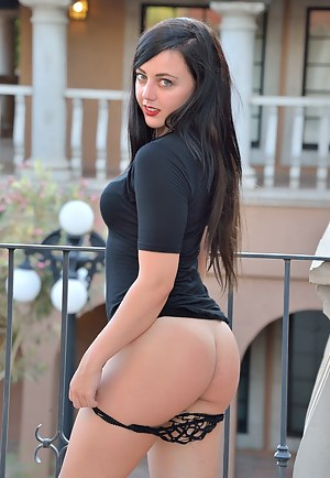 Big Ass Dress Porn Pictures
